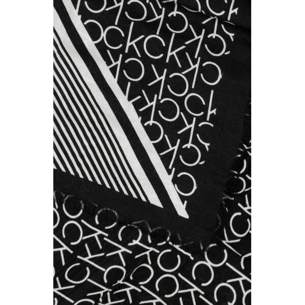 c167e81640f ... Šátek PRINTED CK SCARF Calvin Klein černá ...